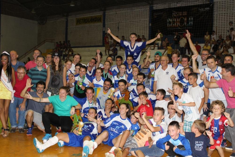 Moitas levanta a taça pela quinta vez na Copa Cebolão