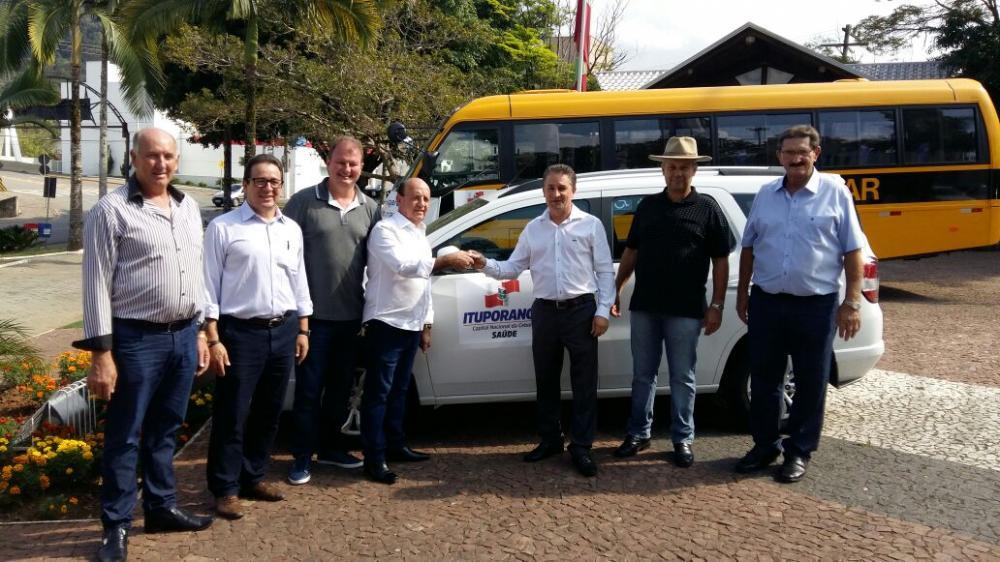 Secretaria de Saúde de Ituporanga recebe dois novos carros
