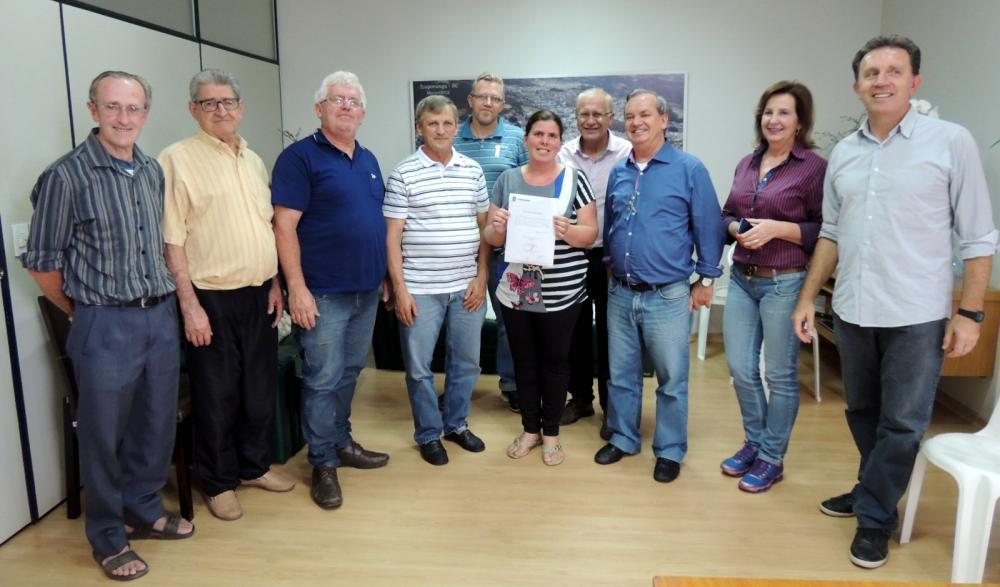 Prefeito assina ordens de serviço para pavimentação de ruas e construção de academias ao ar livre