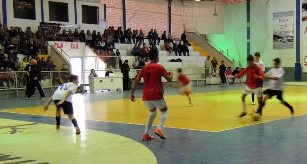 Escolas de Ituporanga disputam fase municipal do JESC de 15 a 17 anos