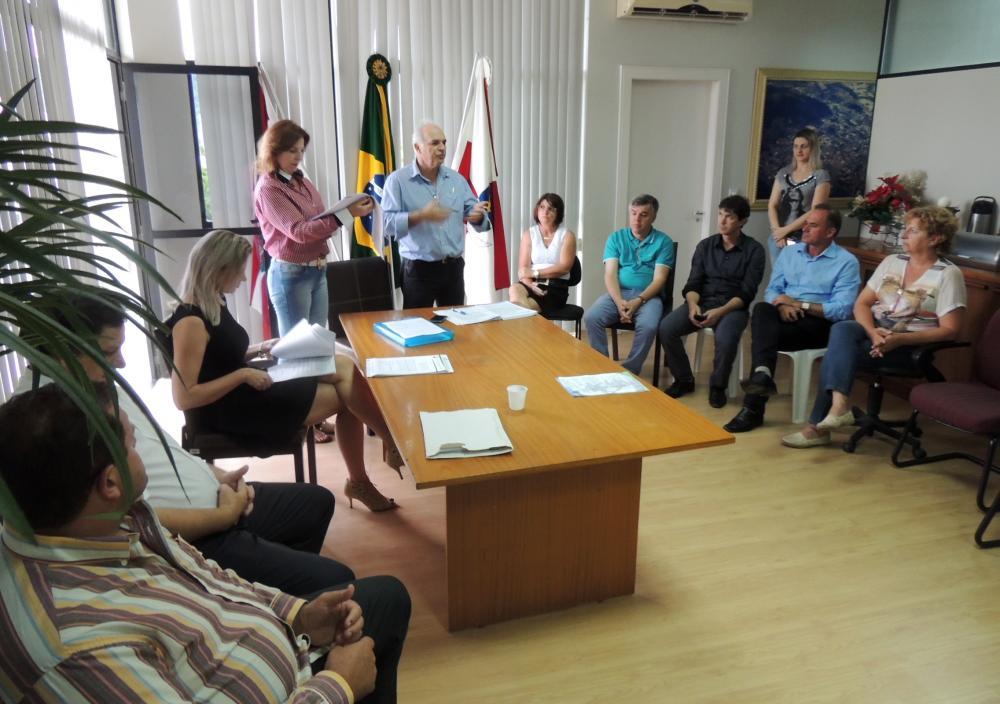 Municípios da região da cebola assinam convênio com abrigo de crianças e adolescentes