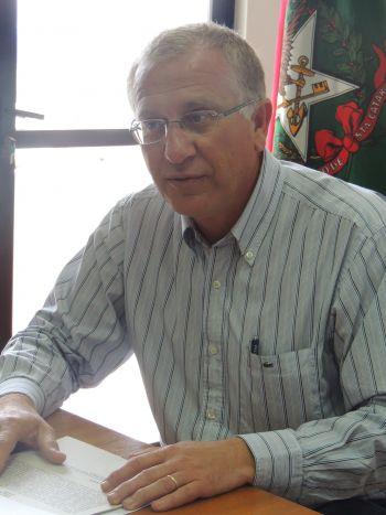 Prefeito Arno viaja a Brasília em busca de recursos