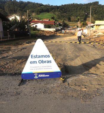 Prefeitura de Ituporanga inicia pavimentação de mais três ruas