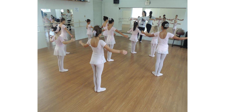 Prefeitura de Ituporanga dispõe de vagas para cursos de balé, artesanato e informática