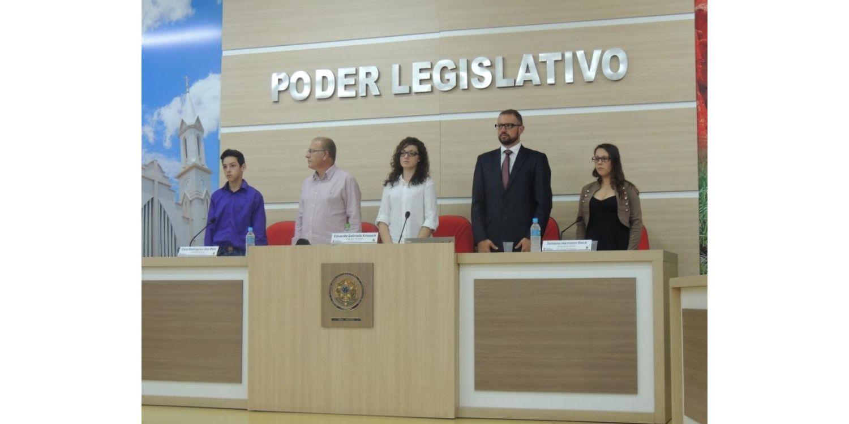Prefeito de Ituporanga prestigia posse de vereadores mirins