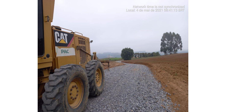 Administração segue trabalhos de melhorias nas estradas do interior