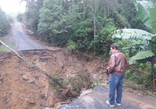 Trabalho na recuperação das estradas é intenso em Ituporanga