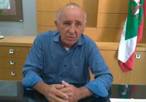 Com cinco mortes por COVID em menos de 24h, prefeito decreta luto de três dias em Ituporanga