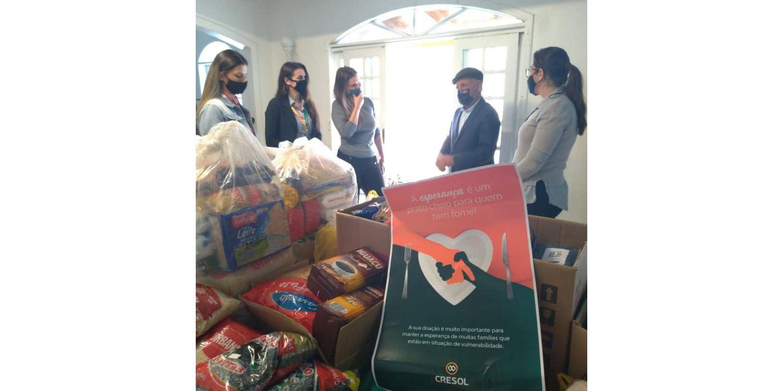Cresol faz doação de cerca de 250 quilos de alimentos para atender famílias carentes de Ituporanga