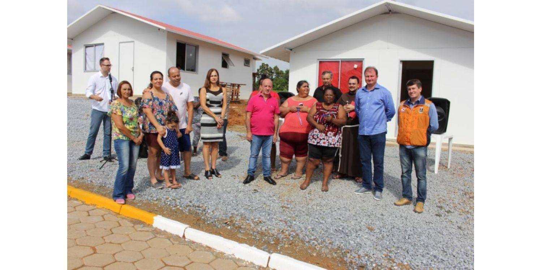 Casas da Defesa Civil foram entregues em Ituporanga