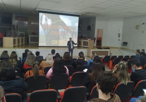 Mais de 150 servidores participaram de palestras de capacitação em Ituporanga