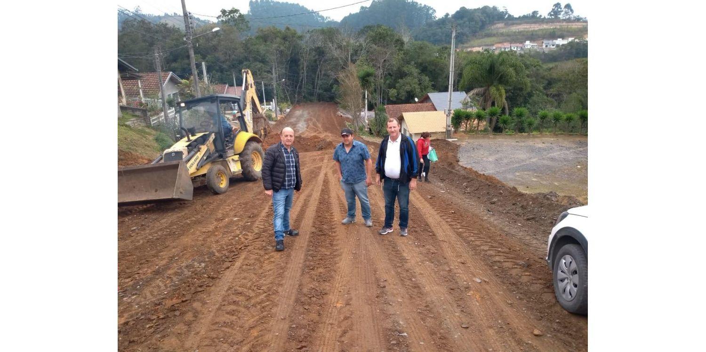 Mais uma rua é iniciada em parceria com os moradores em Ituporanga