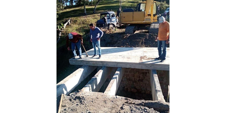 Nova ponte é construída pela Administração na comunidade de Rio Bonito