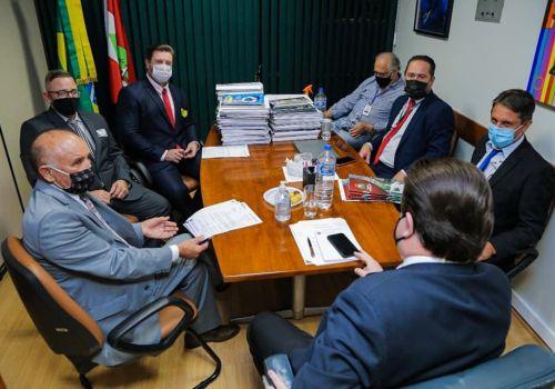 Prefeito e vice  retornam  de Brasília com pleitos  que somam mais R$ 6 milhões em recursos