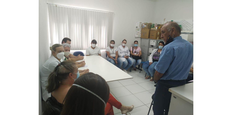 Prefeito, vice e secretária visitam unidades de saúde em Ituporanga