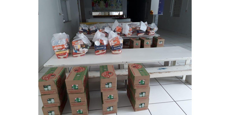 Secretaria da Educação faz entrega de kits emergenciais